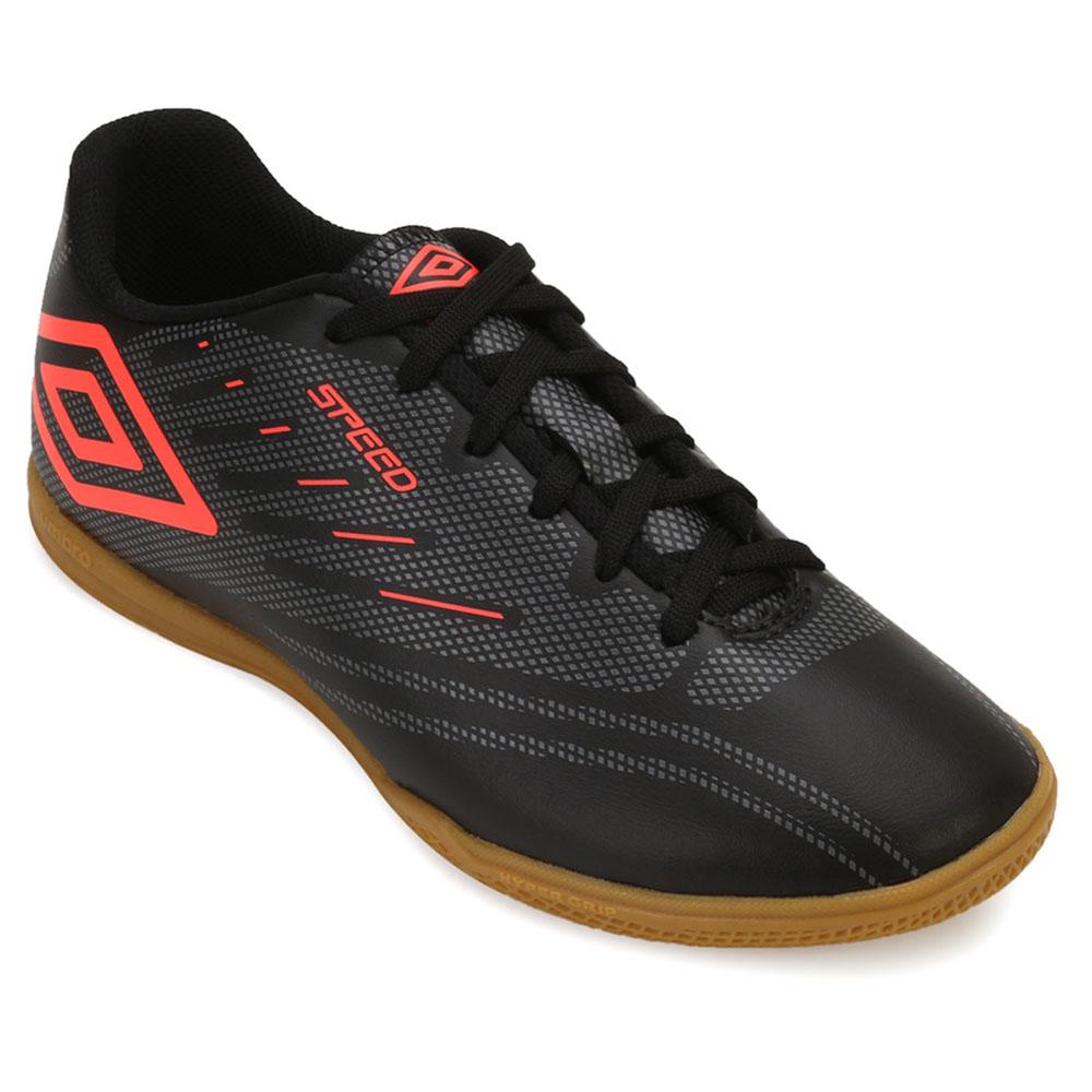506d4b70295f2 Chuteira Futsal Umbro Speed IV UB18 Preto-Grafite-Coral   Alex Shoes